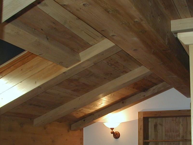 Controsoffitti Con Travi In Legno : Boiserie rivestimenti in legno controsoffitti