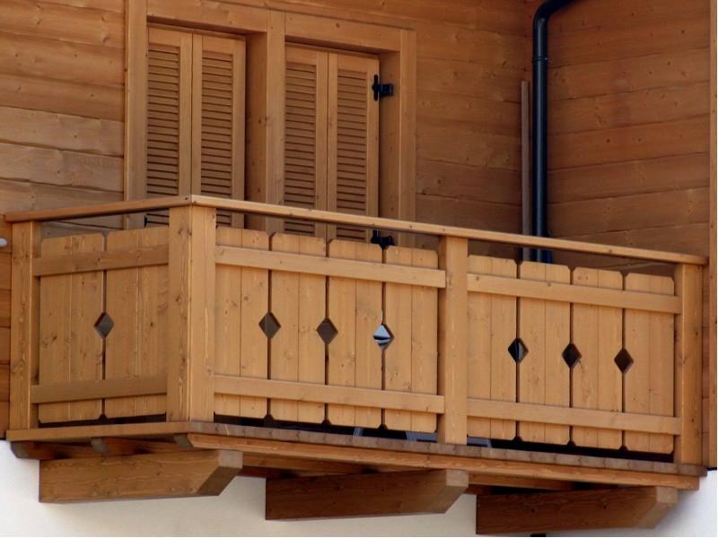 Balconi in legno: realizziamo soluzioni personalizzate